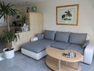 Vacation Apartment in Nuremberg - 431 sqft, clean, spacious, great views from balcony (# 1241)