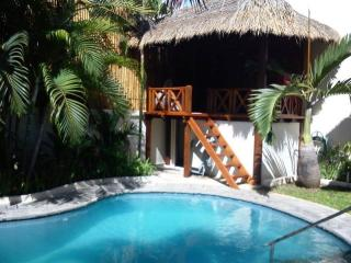 KUTA VILLA - 5 bedrooms - Breakfast daily - rum