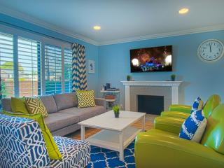 Suite Escapes 8! Walk to Disney/Conv Ctr! Pool!, Anaheim