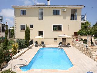 Villa Marina, Kathikas Village, Luxury 4 bedroom, Pafos
