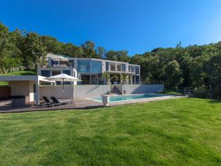 Beautiful Modern Villa 400 M2 Villa With Pool