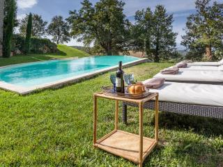 LUXURY COUNTRY HOUSE near Todi, pool