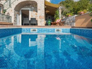 "Luxury villa ""Hope"", Bol"