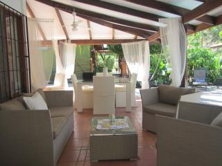 Oceanside Villa: 2 bdrmhome, outdoor ktchn, privat, Playa Potrero
