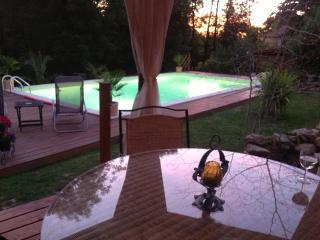Limousin Farmhouse maison de vacances avec piscine, Cussac