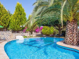 Camellia House in Rural area, private pool!, Rethymnon