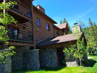 NEW luxury Whitefish Mountain condo - sleeps 6