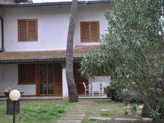 The Floral White house in the Tuscan Maremma, Principina a Mare