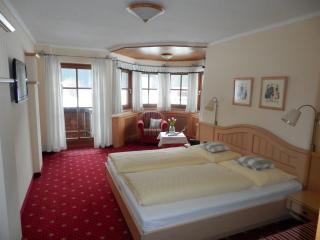 Haus Elfi - Appartements und Zimmer mit Frühstück, Faistenau