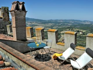 Apartment  with terrace, shared pool,stunning view, Ponteginori