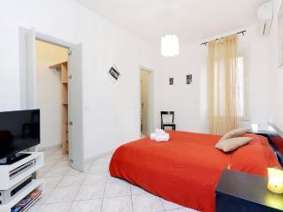 First Bedroom (en suite with walking wardrobe)