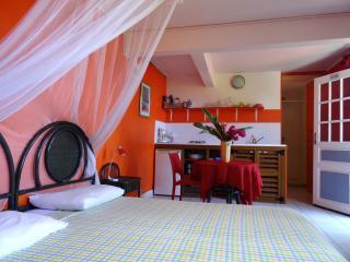 Studio climatisé avec kitchenette
