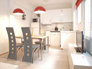 ApartUP Xerea Center. 6 pax. WiFi, Valencia