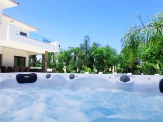 Villa Cape Greco, Agia Napa (Pool, Sauna, Jacuzzi)