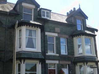 Central Keswick town house rental, sleeps 12