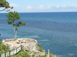 carib apartments mahogany beach ocho rios, Ocho Rios