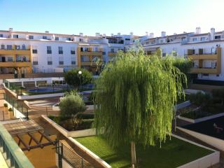 Modern, Well Equipped 2 Bed Apartment, Almancil