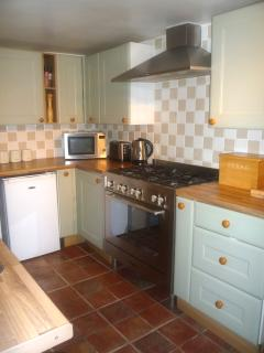 Kitchen - Range Cooker and all essential mod cons and more!
