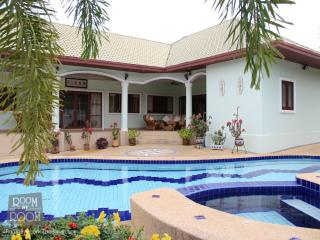Villas for rent in Hua Hin: V6166