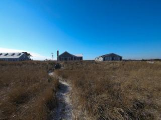 233 Phillips Rd, Sagamore Beach