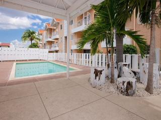 Staycation - relaxing 1 bedroom with wi-fi & pool