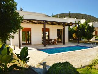 440 - Lux Holiday Villa for 6, Torba