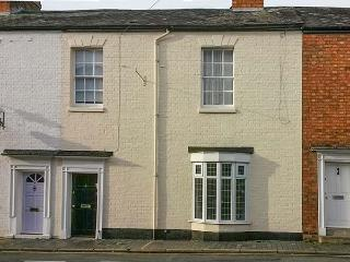 GLOBE HOUSE, ground floor apartment, close to amenities, en-suite wet room, in Stratford-upon-Avon, Ref. 26885