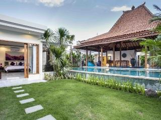 Luxurious Beautiful Private Joglo Seminyak Villa