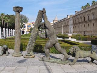 Llanes, Sevilla