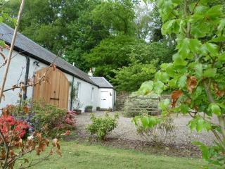 Steading Cottage, Crieff, Perthshire  - Spacious cottage sun trap garden