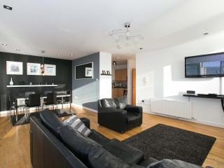 City Centre Laganside Penthouse 3 Bed+sofabed WIFI, Belfast