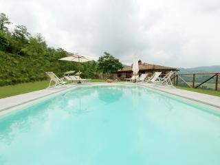 Villa Pian di Marte: a stunning view on the Lake