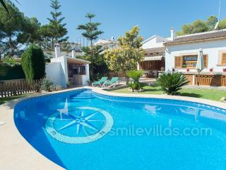 Beautiful house with covered terrace, garden, pool, Sant Carles de la Ràpita