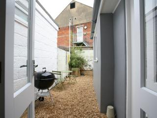 CHARMING COTTAGE IN COWES
