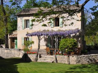 Charming cottage on historic 15th c mill & estate, St-Rémy-de-Provence