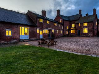 The Grange  - Gorgeous Country Estate, Morley