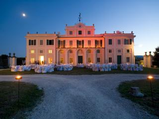 VILLA NOBLESSE for large groups and special events