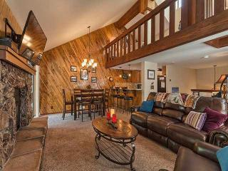 Luxurious Condo Nestled In The Woods, Incline Village