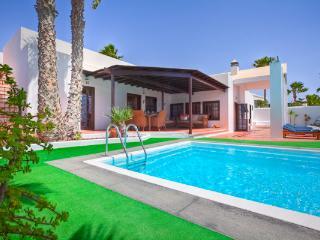 Amazing 4 Bed Villa on the Ocean