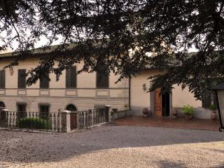 Hotel Villa Casalecchi, Ricavo