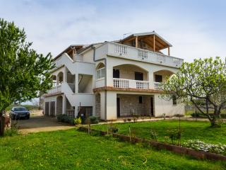 NICE HOLIDAY APARTMENTS IN ZATON