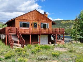 Sunny 4BR 2BA Cabin Property on Lower Beaver Lake, San Isabel National Forest, Leadville