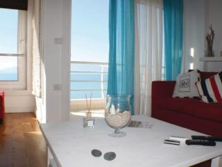 Avenue 5th Apartment, Saranda