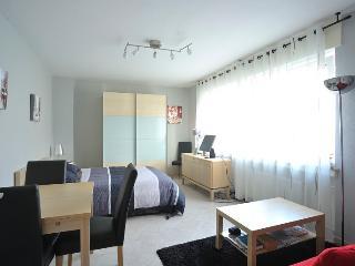 Apartment Rheinbogen, Düsseldorf