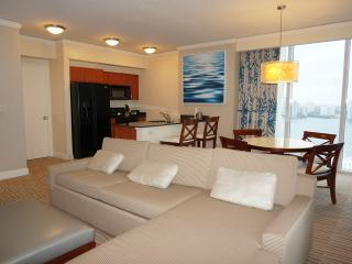 TRUMP INTERNATIONAL RESORT 2/2 ON 24TH FL, Sunny Isles Beach