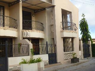 Four Bedroomed (ALL ENSUITE) Holiday Home, Bamburi