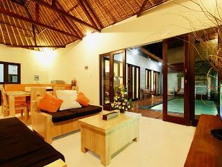 Villa Abimanyu - 5 BR, 2 Pool, Sleep 10, From $385