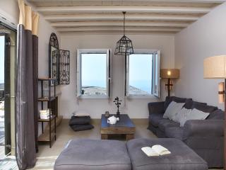 Diles & Rinies | Premium Three Bedroom Villa