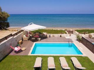 Beachfront Property Espera only 1 km to City Center, Rethymnon