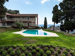 Luxury apartment in Taormina with pool
